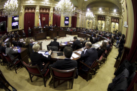 La oposición convierte el pleno de los Presupuestos en una censura global al Govern
