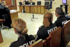 Absueltos tres policías locales porque su agresión en un restaurante ha prescrito