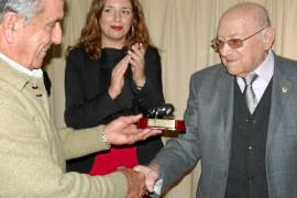 La Associació de Ramaders del Porc Negre premia a Antoni Fontanet