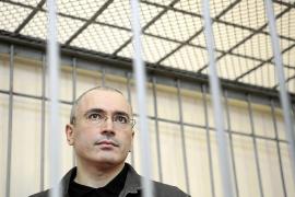 Putin anuncia que indultará al exmagnate del petróleo Jodorkovski