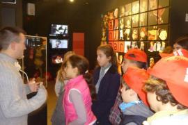 Alumnos del CEIP Eleonor Bosch visitaron LADAT