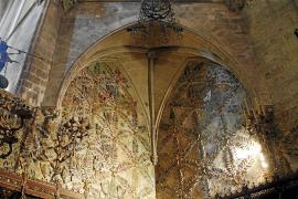 Patrimoni aprueba restaurar la cerámica de Gaudí y Jujol en la Capella Reial de la Seu