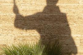 sombra fray junipero serra en la basilica san francisco de palma