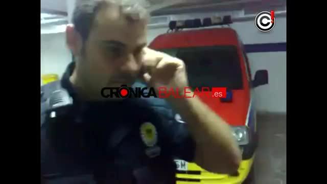 Santa Eulària suspende a un policía local por denigrar a un vendedor ambulante