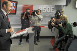 Rubalcaba acusa a Rajoy de recuperar la «desigualdad» y la «falta de libertad»