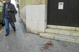 Un joven que discutía con su novia acaba apuñalado por un hombre que pasaba por allí
