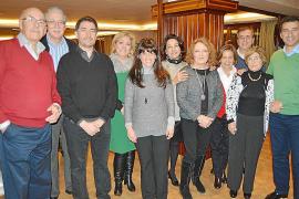Aina Ferrando celebra su 81 cumpleaños rodeada de familiares y amigos