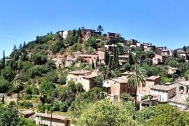 vista panorámica de Deià, pueblo de Mallorca