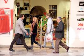 Todos los comercios podrán abrir este domingo, víspera de Reyes