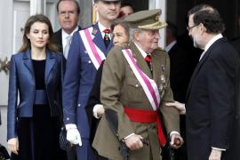 El Rey reaparece con voz cansada y lee con dificultad su discurso en la Pascua Militar
