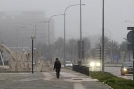 Espesos bancos de niebla cubren Mallorca