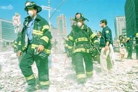 80 policías y bomberos retirados de Nueva York, acusados de fraude por el 11-S