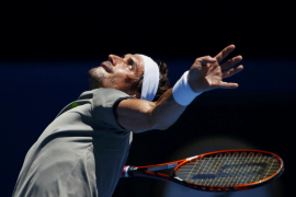 Ferrer gana en su debut en Australia
