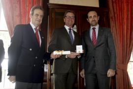El exministro alemán Guido Wersterwelle, premiado por Fomento del Turismo