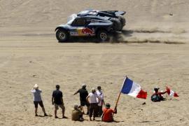 Carlos Sainz abandona el Dakar tras sufrir un accidente
