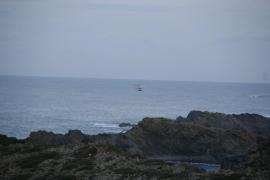 Buscan a un hombre desaparecido mientras pescaba en Maó
