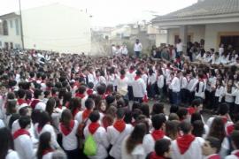 Artà baila a ritmo de Sant Antoni