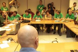 Los sindicatos de educación estudian acciones legales contra grupos afines al PP
