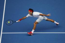 Federer y Murray ganan con alivio en los termómetros