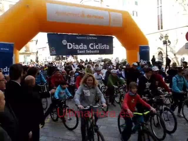 Cerca de 12.000 personas participan en la Diada Ciclista