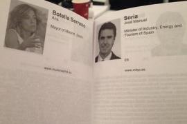 Botella achaca a un fallo el que su currículum y el de Soria aparezcan en blanco en el folleto de Davos