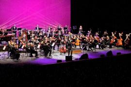 Jaime Anglada suena con gran éxito en el Auditòrium en formato sinfónico