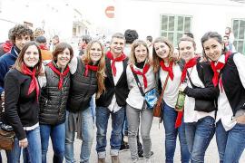 Sant Antoni en Artà, en blanco y rojo