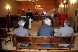 """El fiscal mantiene que Vicens urdió la trama para beneficiar """"a su amigo"""""""