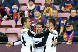 El Valencia desnuda a un Barça bipolar