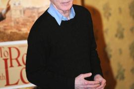 La hija de Woody Allen le acusa de abusar de ella sexualmente cuando era niña