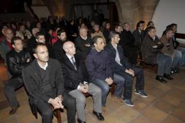 El mundo del fútbol recuerda a Luis Aragonés con una misa en Palma