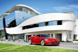 """El Alfa Romeo 4C, """"Coche más bonito 2013"""" en Francia"""