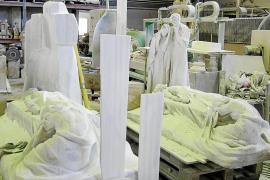 La escultura de Llimona del cementerio de Sóller está siendo copiada en un taller