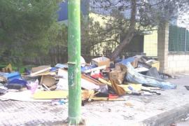 Retiradas 10 toneladas de residuos de un vertedero ilegal en Can Valero