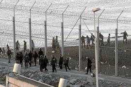 Al menos nueve inmigrantes mueren en un intento de entrar en Ceuta a nado