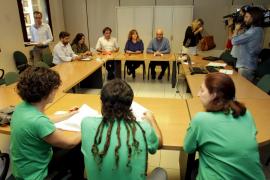 Camps vuelve a convocar la mesa sectorial de Educación tras tres meses de silencio