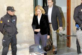 «No hice de escudo fiscal, tengo plena confianza en mi marido»