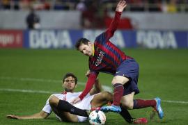 Messi le devuelve el liderato al Barça, pero no las buenas sensaciones