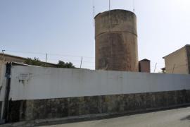 El alcalde prevé mejorar la red de agua «poco a poco» si no se privatiza el servicio