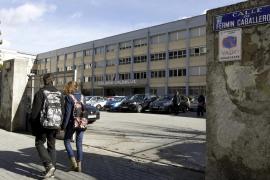 El juez envía a prisión al profesor del colegio Valdeluz por 7 abusos a menores
