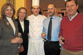 Cena a beneficio de Mallorca Sense Fam