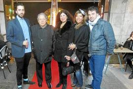 Carlos Prieto expone obra en la inauguración del Café Gallery de Palma