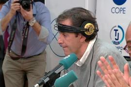 Paco González vuelve a la radio tras la agresión a su mujer y su hija