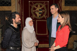Los príncipes de Asturias visitan el rodaje de 'Isabel'