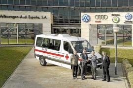 VAESA donó un Crafter a la Cruz Roja