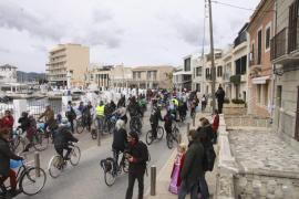 'Bicicletada' en defensa de Es Molinar «de toda la vida»