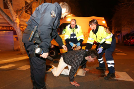 Sufre un accidente casual y arremete contra policías y sanitarios en Palma