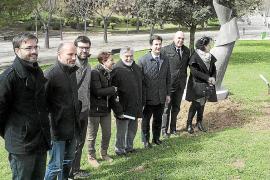 Una escultura de Joan Lacomba refleja «que la memoria perdura» en Palma