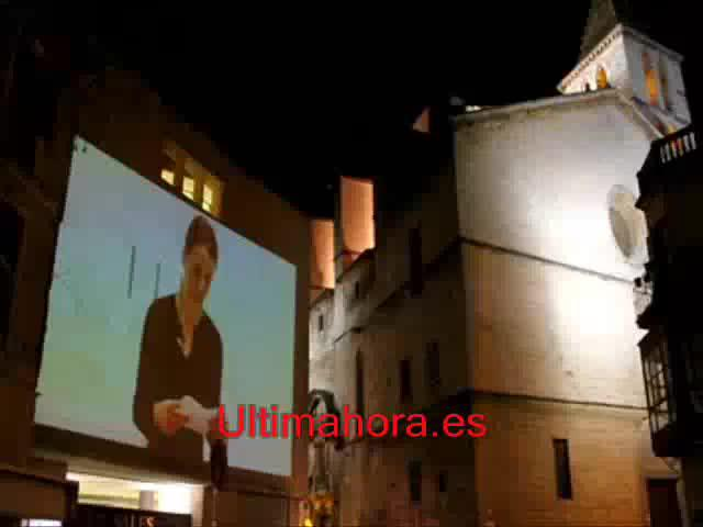 """Natxa Pomar presenta su videoproyección """"Las hermanitas"""""""