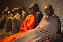 España paga 360 euros a los inmigrantes que deciden retornar a su país